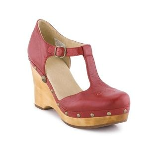 UGG $200 CHRISSIE Leather Wedge Clogs boho T-Strap